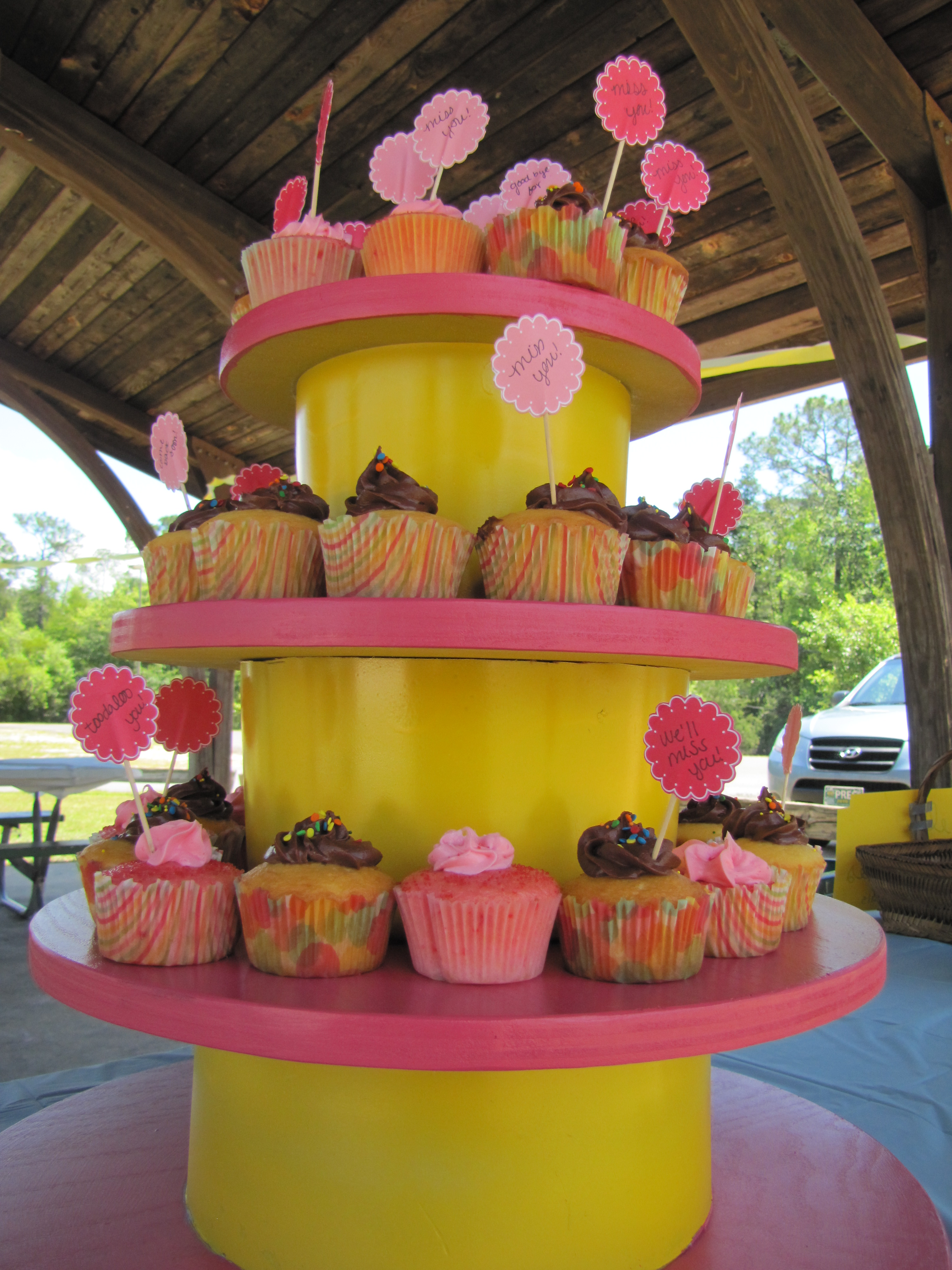 how to make a cupcake stand for 150 cupcakes
