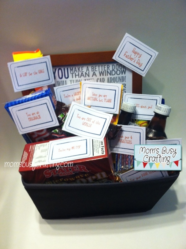 Source: http://momsbusycrafting.com/2012/06/17/fathers-day-gift-basket-free-printable-tags/